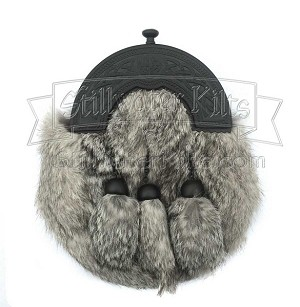 Gray Fur Sporran with Flat Black Cantle and Chain Belt